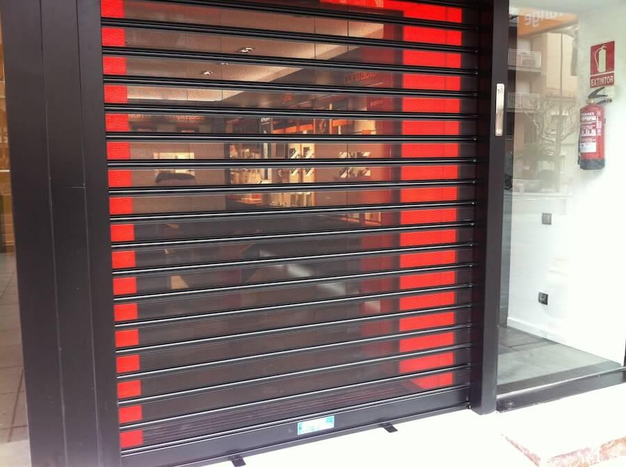 Puertas Enrollasbles MicroPerforadas_01