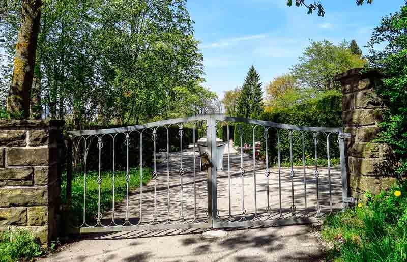 Mantenimiento-Puertas-metalicas-jardin
