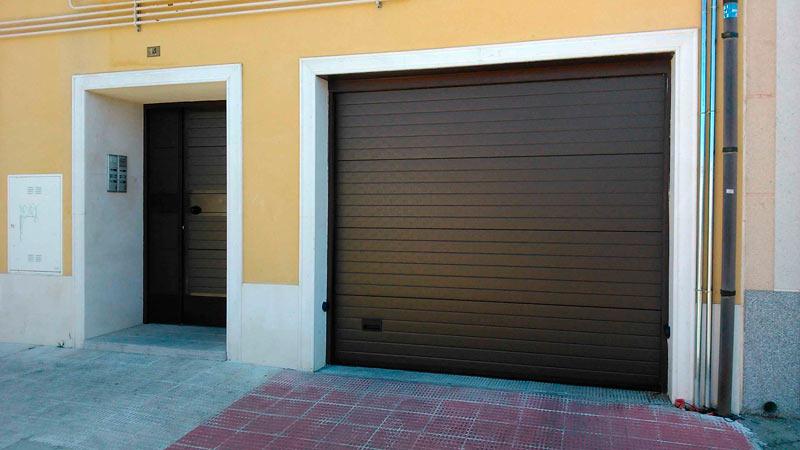 Mantenimiento-Puertas-metalicas-garaje