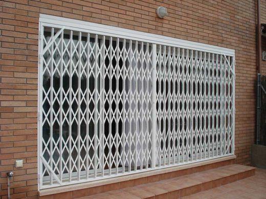 puerta-Ballesta-Lacada-proteger