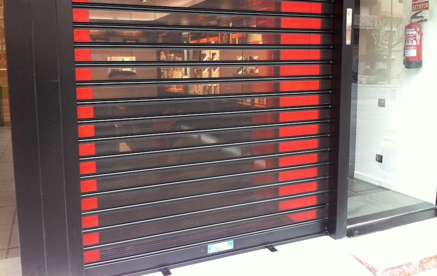 Puerta de chapa microperforada-puerta-negocio