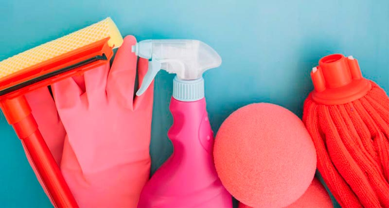 mantenimiento-puertas-de-garaje-limpieza