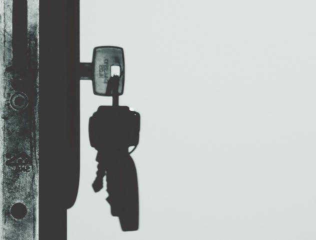 puertas-antiokupas-prevencion-seguridad-del-hogar