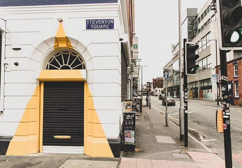 puertas-de-exterior-metalicas-persiana-negocio