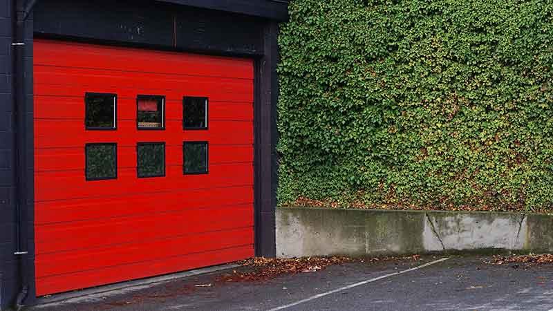 mantenimiento-puertas-automaticas-puerta-roja
