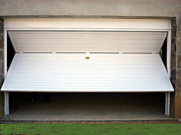 Puertas Basculantes para garajes